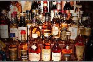 सिंडिकेट बनाकर की जा रही है अरबों की शराब तस्करी