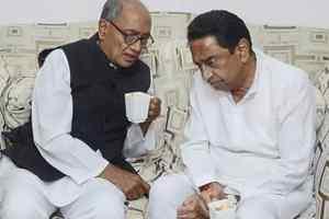 कमलनाथ सरकार के राजनैतिक संकट में मंत्री ने भागते दौड़ते थमाया पॉल्यूशन कंट्रोल बोर्ड चेयरमैन का नियुक्ति पत्र
