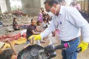 लॉक डाउन पर गरीबों को किया भोजन वितरित
