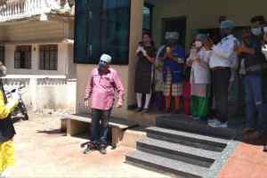 """मुख्यमंत्री चौहान पहुँचे भेल और पुराने भोपाल, लोगों से कहा """"चिंतित न हों"""